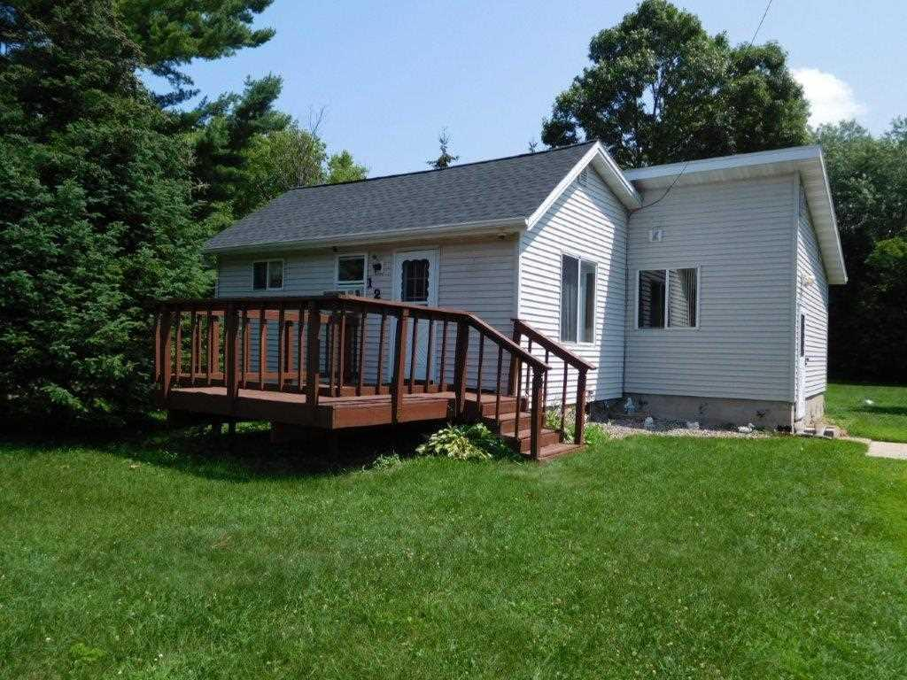Economical home on a very nice sized lot. Home offers spacious eat in kitchen, ample sized living room. Vinyl thermo pane windows, and vinyl siding. Detached 1 car garage. Home has a full basement. Newer Roof! COME SEE!!