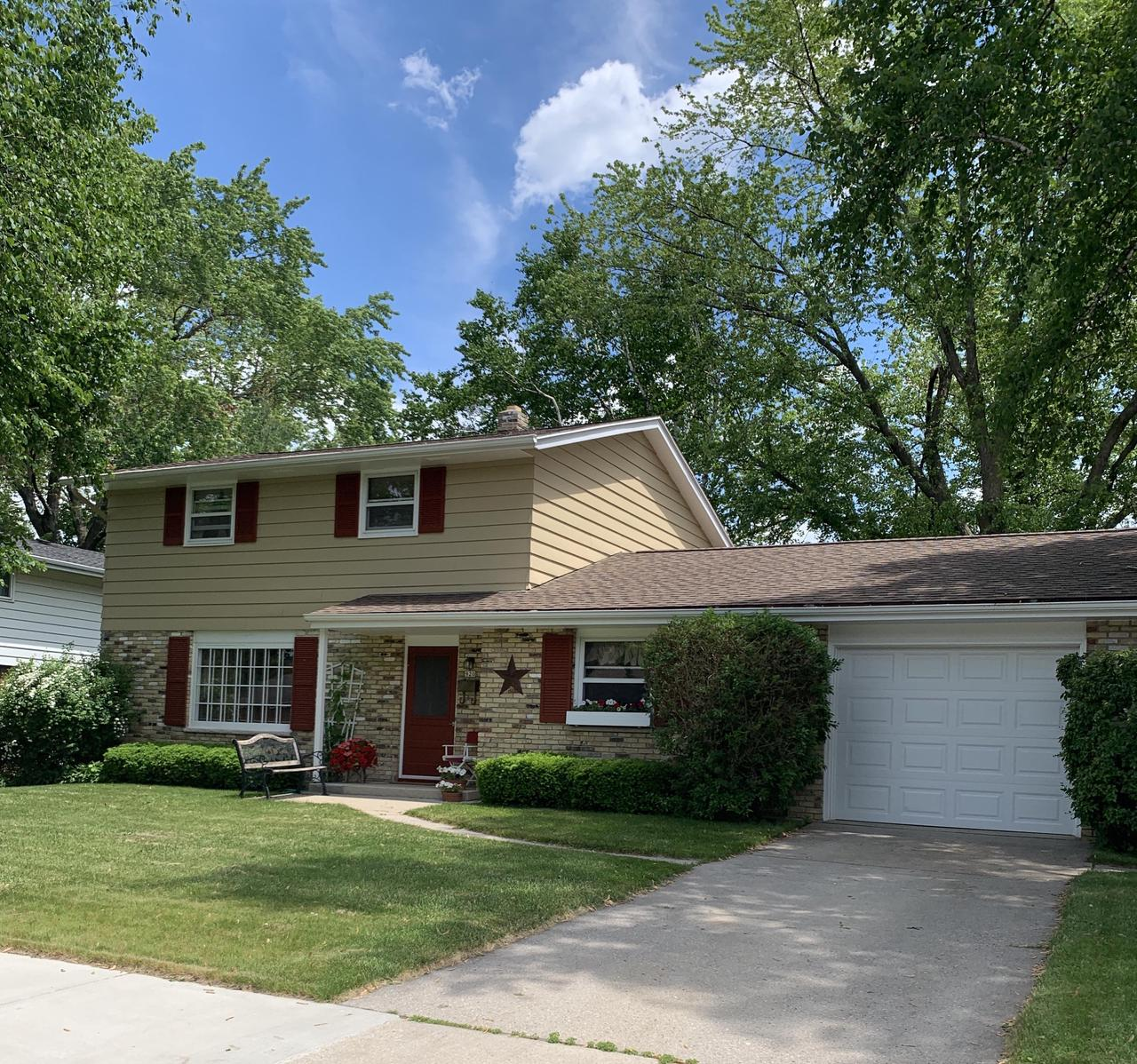 Pride of ownership shows in this beautiful home. Fantastic 4 bedroom, 2 story classic. Living/dining ''L''. Eat in kitchen. Original hardwood floors in upstairs bedrooms. Fabulous 3 season sunroom to enjoy the backyard views. Finished rec room in the lower level. Newer roof and freshly painted exterior. Located on a quiet street close to everything Grafton has to offer. One owner has lovingly taken care of this gem! Now available to make it your home.