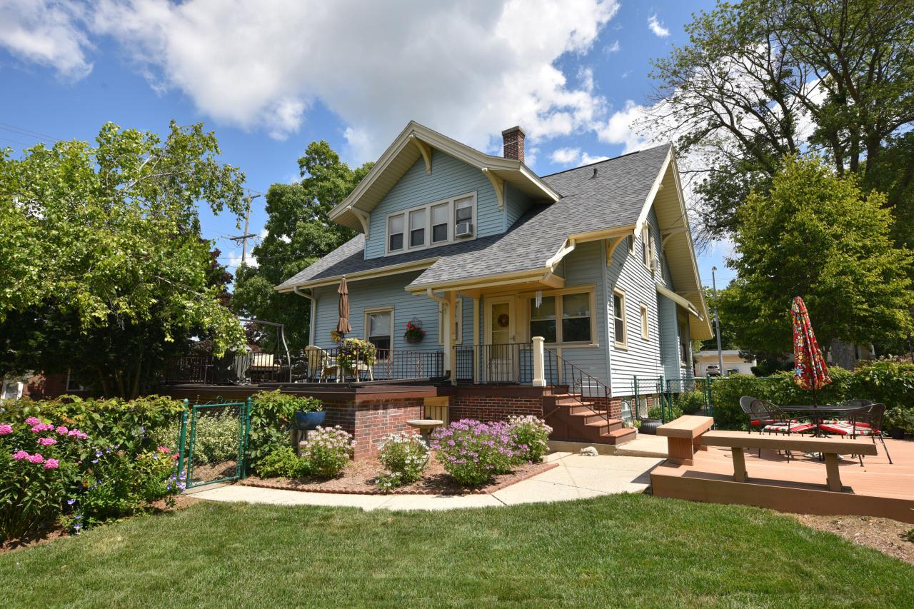 Wonderful Grafton bungalow with enclosed front porch. Ideally located close to downtown restaurants and activities. You will find pride in ownership throughout. Many updates, including newer kitchen, bath, windows, roof and approximately $30,000 in significant electrical replacement and upgrades. Come enjoy the old-world charm of this home in an exciting, reinvigorated village setting!