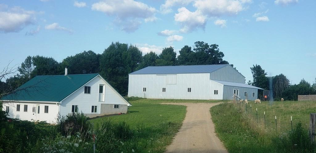 Newer Amish home with 40?X75? pole horse shed, includes small shop.  Pasture for horses, woods for deer.