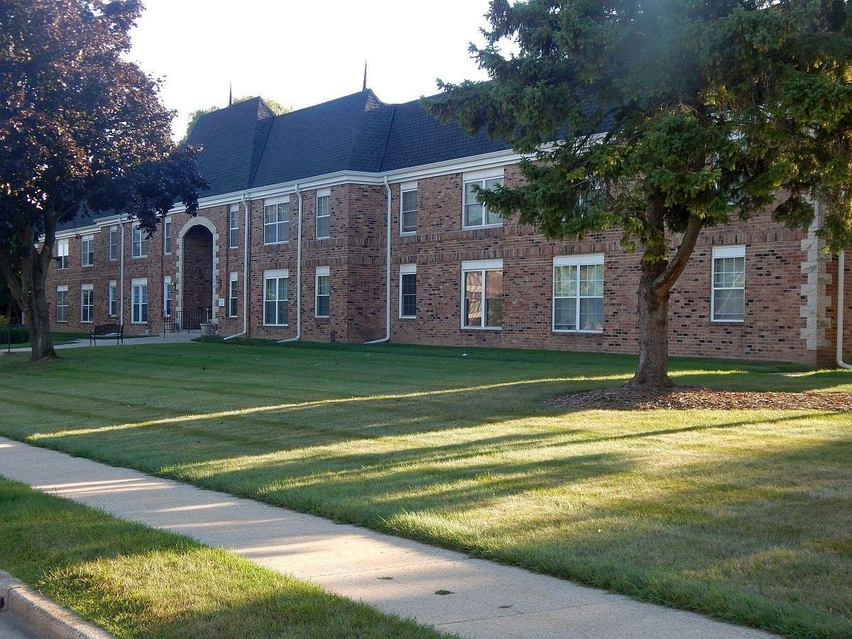 Rare 2 Bedroom, 2 Bath C Unit 1,242 Sq FtUnderground parking for one and a exterior parking lot.  Carpeted halls, bedrooms and living room.  Master Suite 16'7'' x 10'6'' Full Bath with vanity, toilet and shower over tub.Coin Laundry and storage locker in basement.  Water heater is 2 yrs, windows 10 yrs.  Brick Exterior, well designed with an exterior swimming pool.  West windows invite the evening sunlight.