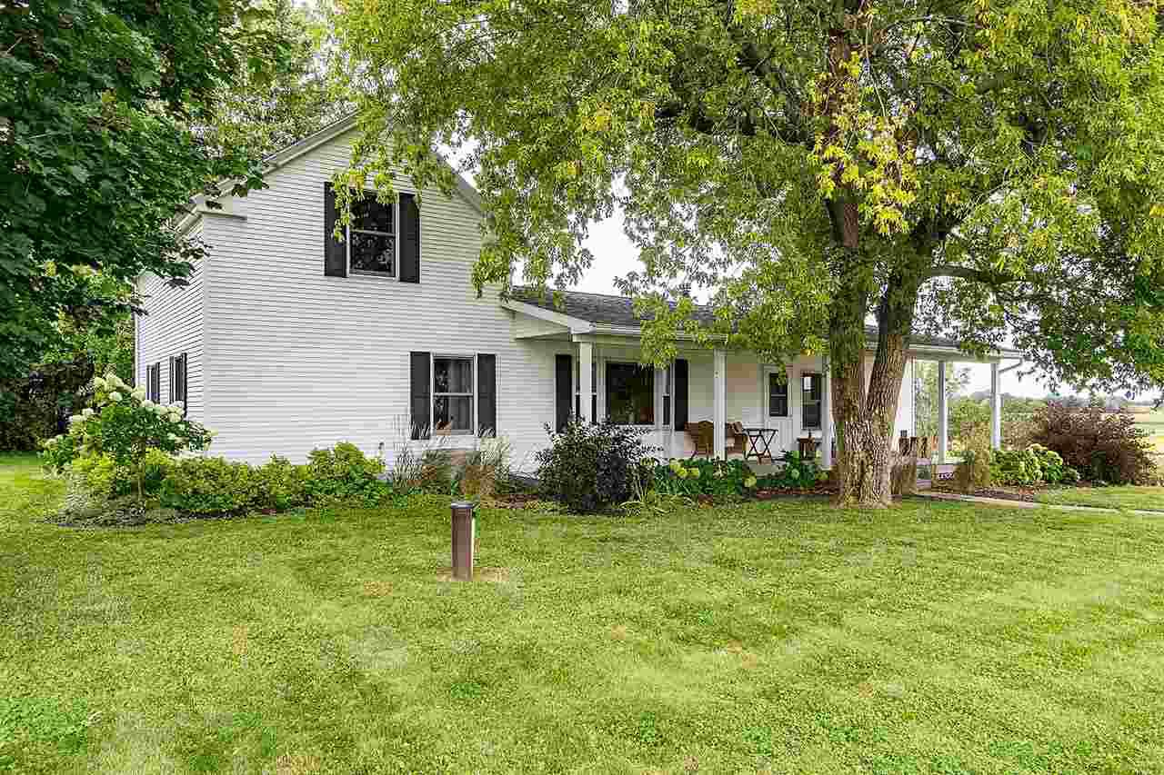 PRIME LOCATION - Live in the country but yet so close to the city.  Property has multiple outbuildings with a Large Barn.  House has 1st floor master, laundry, and huge country kitchen with built-in display cabinet.  Large walk-in pantry with lots of extra storage.  Come see this unique property today!