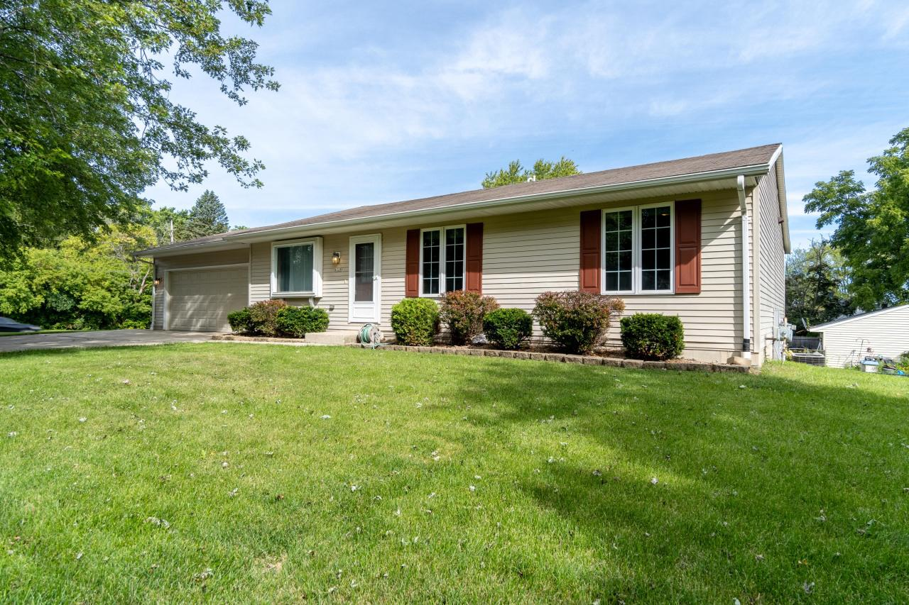 4228 W Parkland Ave AVENUE, BROWN DEER, WI 53209