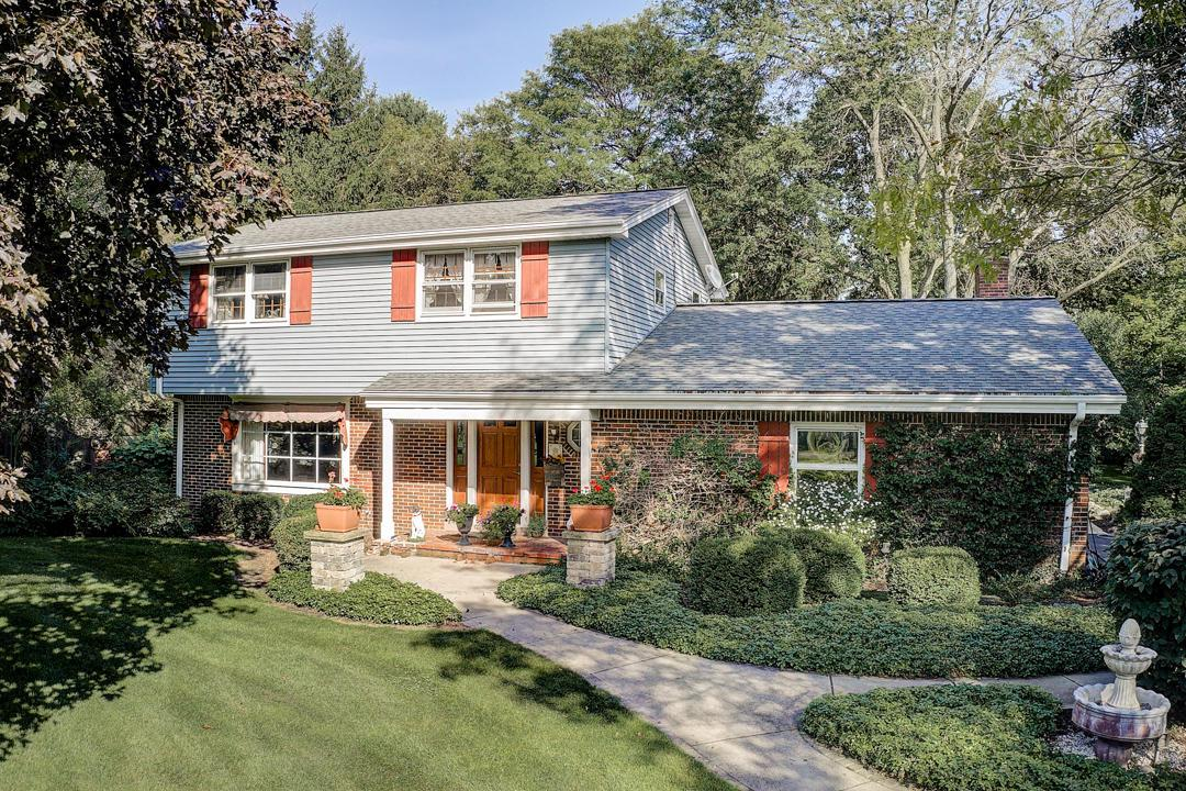 Classic Miliken built colonial with over 2700 SF in desirable Erin Meadows subdivision on 1.39 private wooded acres. Recent updates inldude roof in 2011, sun room and septic system 2005, many newer windows, water heater, well pressure tank and more! Beautiful wood floors flow through the living, dining and family rooms as well as all 4 of the spacious bedrooms. The tile floor kitchen is open to the dinette and family room that features a cozy fireplace. The sun room boast walls of windows and a skylight to enjoy the beautifully landscaped garden and abundant wildlife. The living, dining & LL rec room provide lots of space for family and entertaining. You will enjoy the main floor laundry & convenient half bath. There is a large barn for your toys and projects. Don't wait, call today!