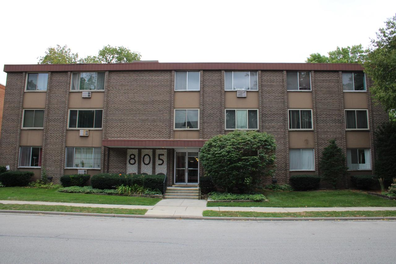 805 E Henry Clay St STREET 304, WHITEFISH BAY, WI 53217