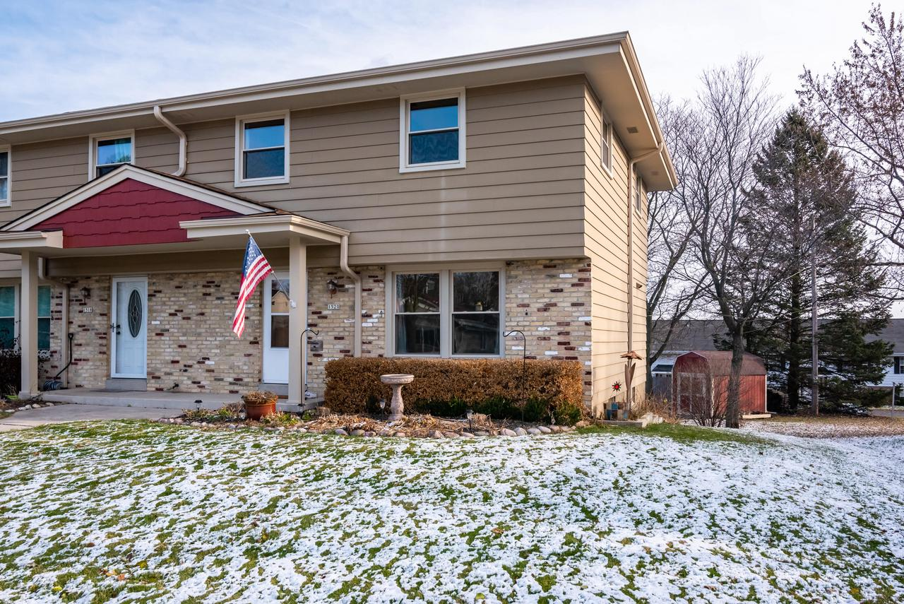 Here is a rare opportunity to get 3 bedrooms and 1.5 baths in Grafton under $170,000. This no-fee condo has all the space you need and is a great alternative to renting.