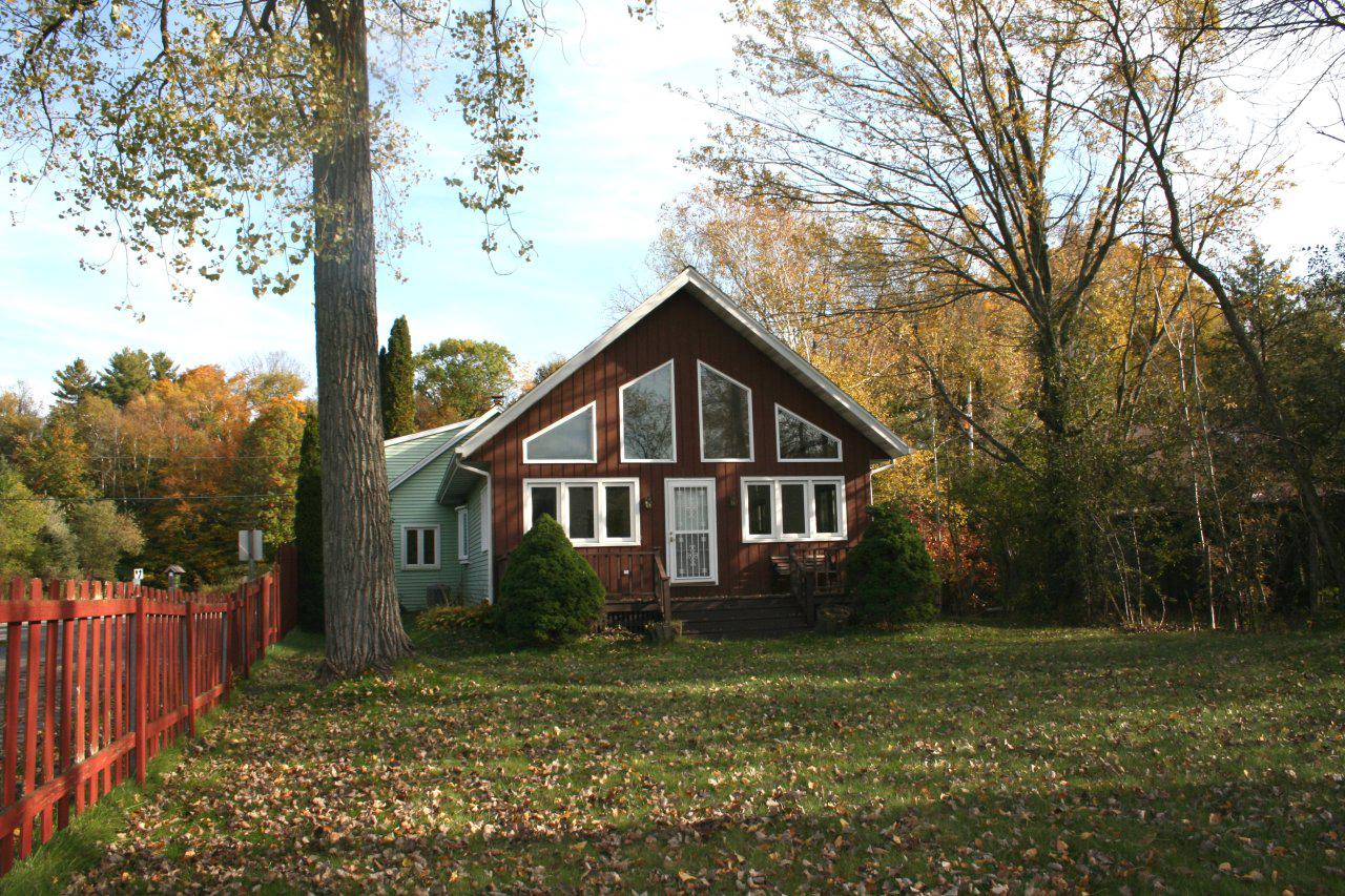 5605 Peters Dr DRIVE, WEST BEND, WI 53095